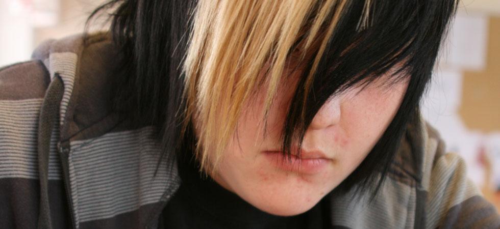 Blond och svart lugg